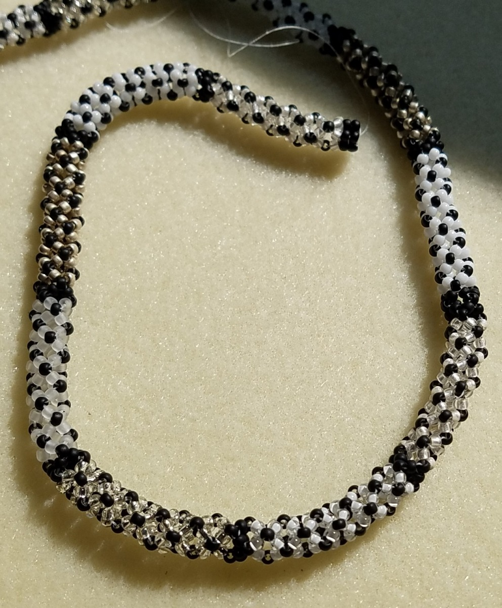 Chenille-Stitch-Necklace